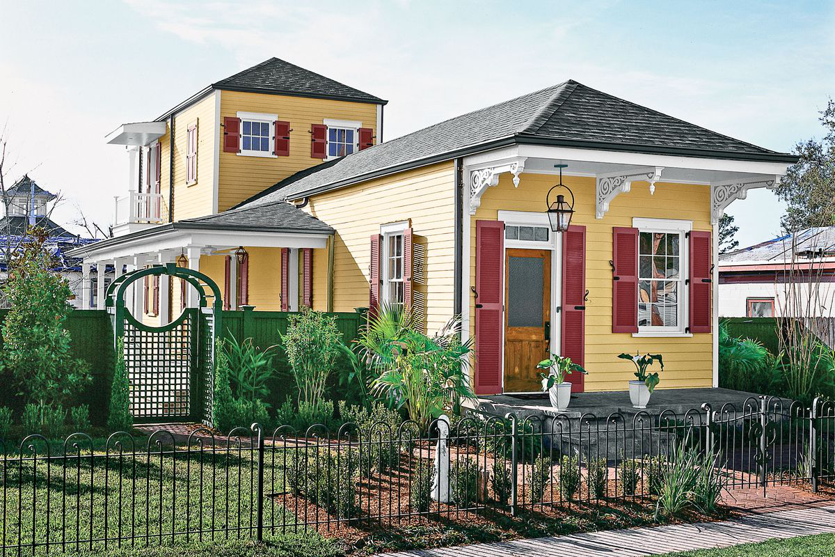 New Orleans rebuilds house exterior shot